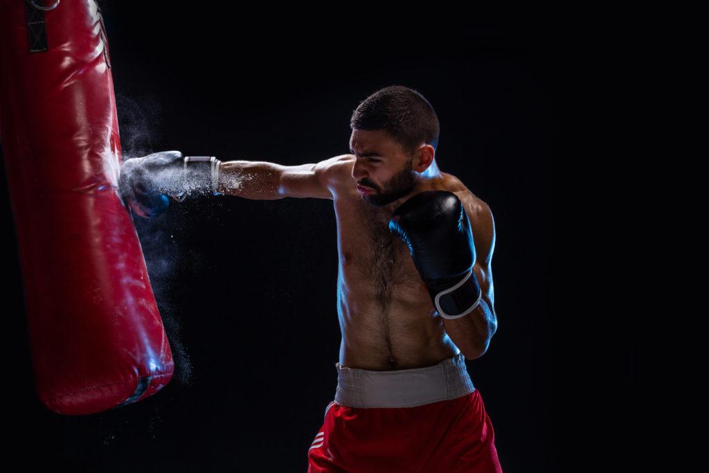 プロボクサーのパンチ力の威力を見よ!動画